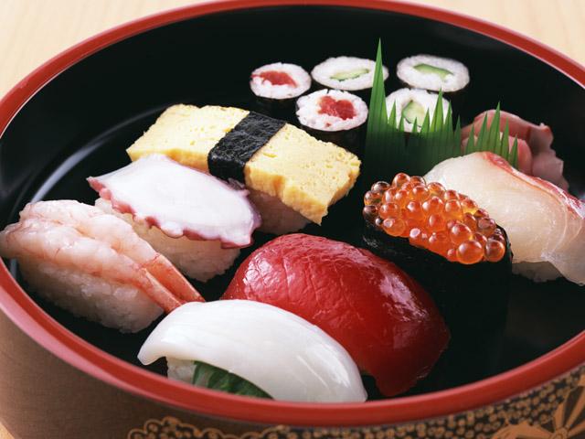夏バテにお鮨を食べましょう