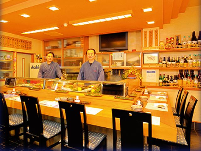 吉田町魚金寿司・カウンター
